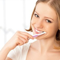 woan_smile_toothbrush_toothpaste_pic