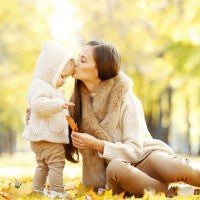 woman_baby_mother_daughter_park_autumn_leaves_pic