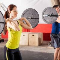 woman_man_weight_lifting_strength_training_squats_pic