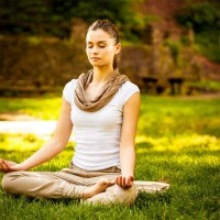 woman_young_meditate_nature_calm_relax_pic