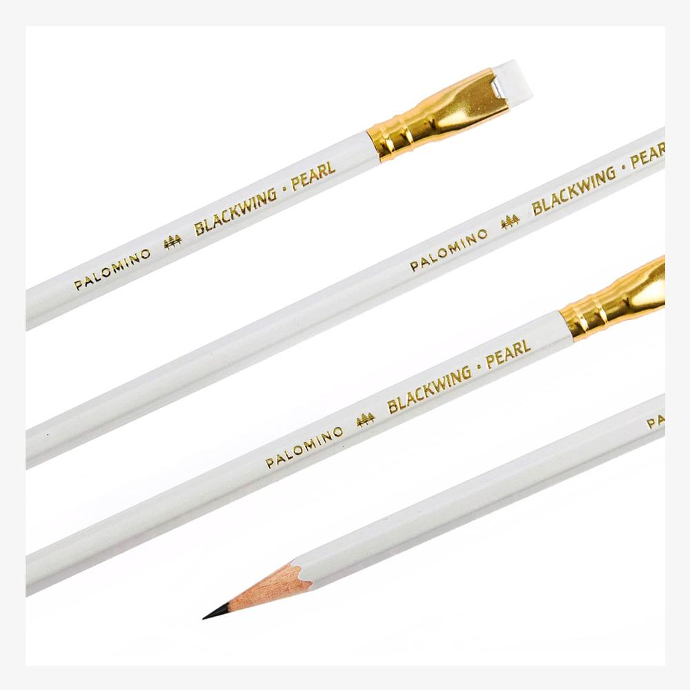 Palomino Blackwing Pearl set of 12 pencils detail