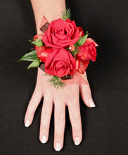 GW 7160 Wrist Corsage for Grad or Wedding