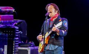 5 ways John Fogerty keeps it timeless in Indianapolis