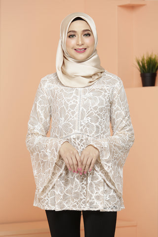 Lacy Blouse Cream Pudding