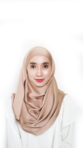 Sateen Eyelash Shawl Brown