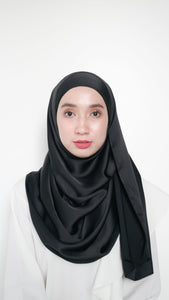 Sateen Eyelash Shawl Black