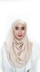 Sateen Eyelash Shawl Nude