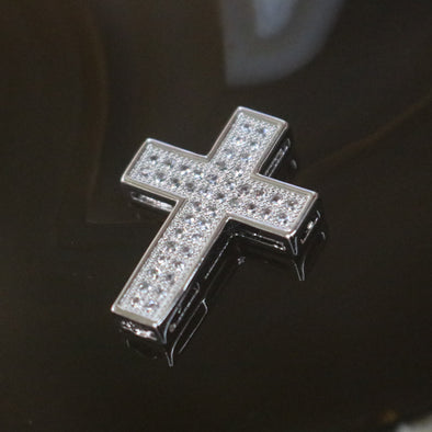 A Sliver Plated Copper Zirconia Cross