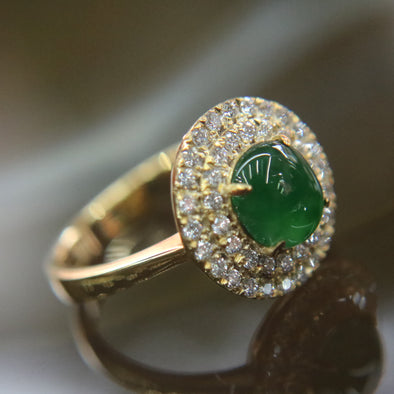 Type A Icy Green Burmese jadeite ring in 22k Yellow gold & natural diamonds - 5.93g US Size 6.5
