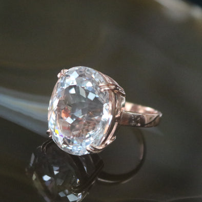 Natural Clear Quartz ring in 18k Rose gold