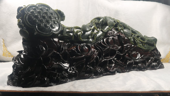 Extremely Rare Huge Antique Vintage Collectible Natural Nephrite Feng Shui Ruyi Display piece