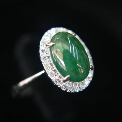 Type A Green Burmese jadeite ring in 18k white gold & natural diamonds - 3.58g size US6