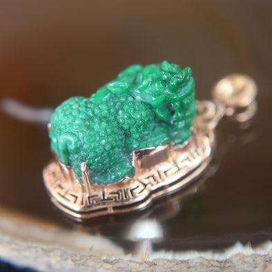 Type A Pixiu Old Mine Jade Jadeite Pendant set in 18k 750 Rose gold