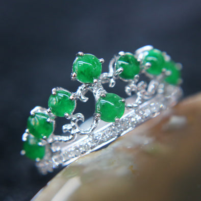 Type A Green Burmese jadeite Tiara ring in 18k white gold & natural diamonds