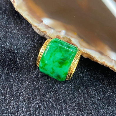 Type A Burmese Jade Jadeite 18k yellow gold barrel Lu Lu Tong - 3.55g 16.0 by 15.4mm inner diameter 10.7mm