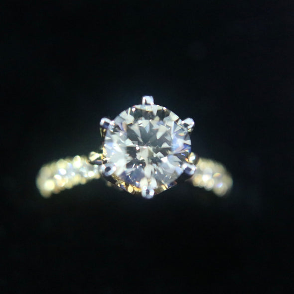 1.79 carat solitaire diamond ring set in 18k yellow gold