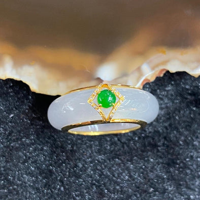 Type A Burmese Icy Jade Jadeite ring 18k yellow gold - 6.51g 27.2 by 24.8 by 7.9mm inner diameter 15.9mm US5.25 HK11.5