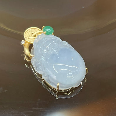 Type A Burmese Jade Jadeite Icy Pixiu Pedant set in 18k yellow gold - 2.5g 21.1 by 11.8 by 6.2mm