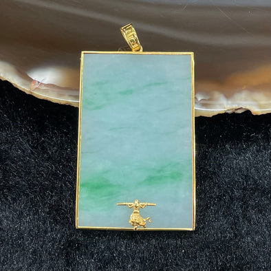 Type A Burmese Jade Jadeite Sun Wu Kong set in 18k yellow gold - 8.12g 37.2 by 24.8 by 3.2mm
