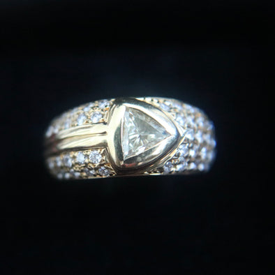 0.62 carat natural diamond set in 18k yellow gold