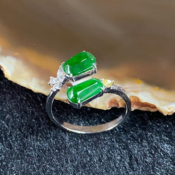 Type A Burmese Jade Jadeite Ring 18k white gold & diamonds - 2.64g 21.6 by 14.2 by 19.2mm inner diameter 16.8mm US6.5 HK14