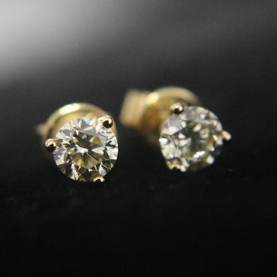 0.91 carat solitaire natural diamonds earrings set in 18k yellow gold
