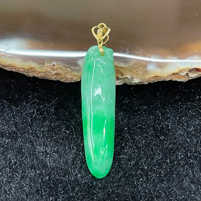 Type A Burmese Jade Jadeite Gourd 18k gold pendant - 2.03g 30.7 by 7.6 by 4.3mm