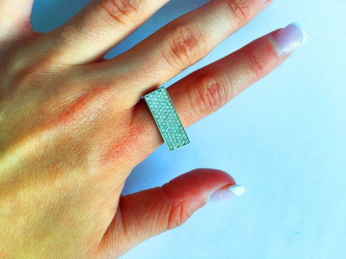 Be Prominent Diamond Ring