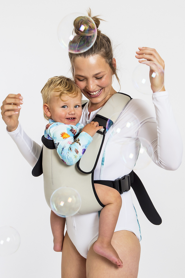 Frog Orange Explorer baby Carrier - Silver Mist - family adventures made easy