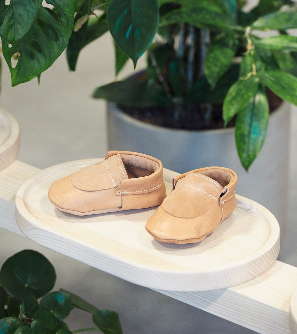 Halfmoon Moccs Nude, made in Switzerland