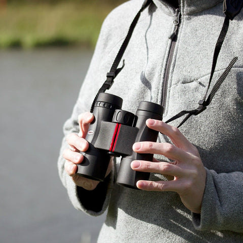 Kowa 10X32 SV Roof Prism Binoculars In Use