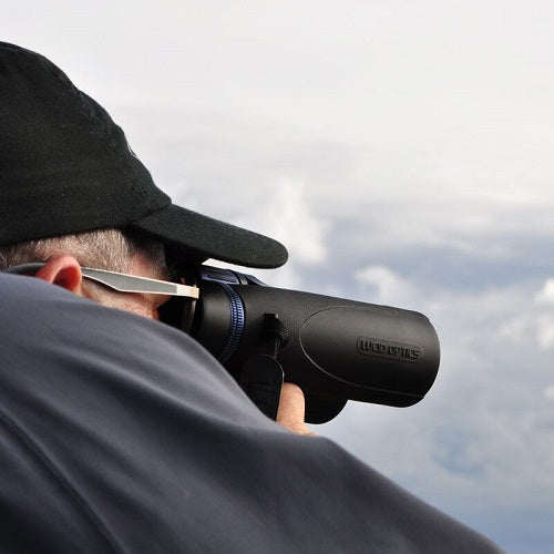 LUCID OPTICS 10X42 HIGH DEFINITION ED BINOCULARS B-10 Man Demonstration