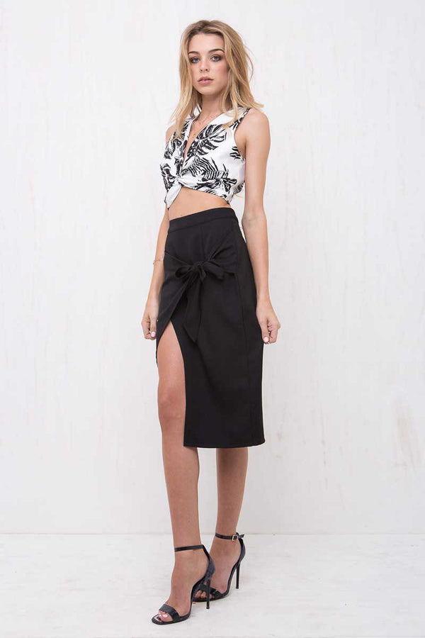 Morrisday Paradise Drape Crop Black/White