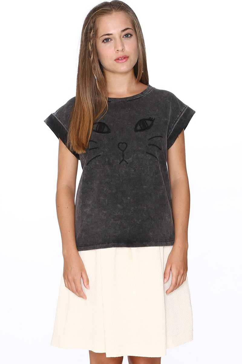 Pepaloves Cat Embroidery Oversized Top