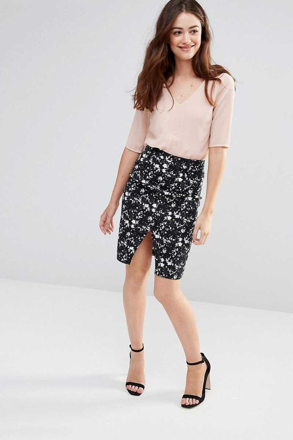 Sugarhill Boutique Dark Floral Stretch Cotton Skirt