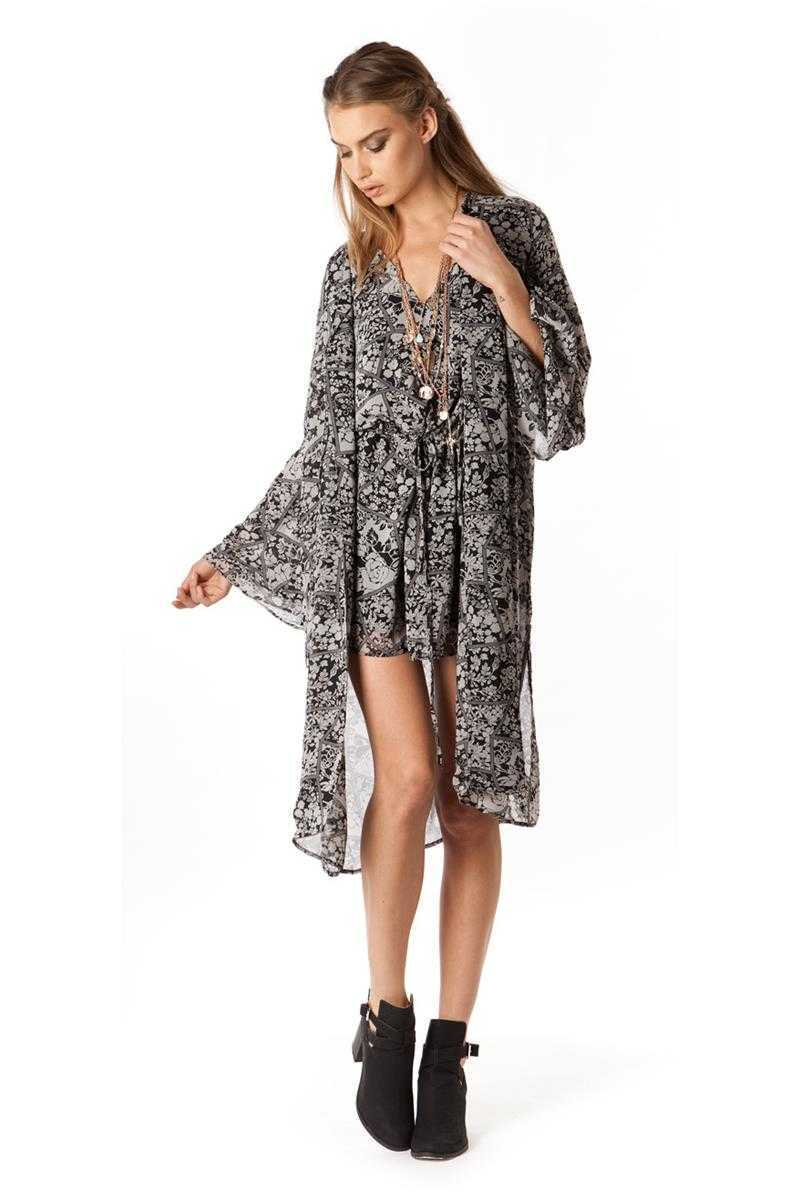 Elliatt The Wallflower Spectacular Cape - Talis Collection