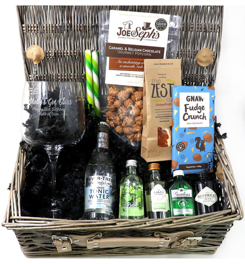 Personalised Luxury Gin & Tonic Gift Hamper with Balloon Glass (G)