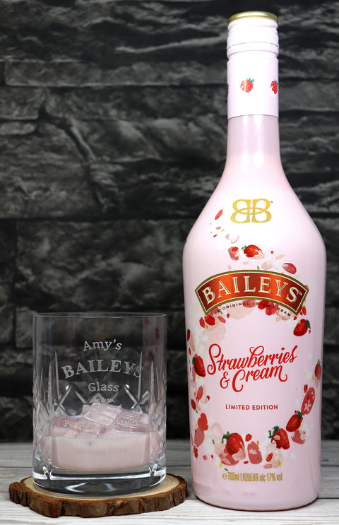 Personalised Crystal Tumbler + 70cl Baileys Strawberries & Cream - Baileys Design