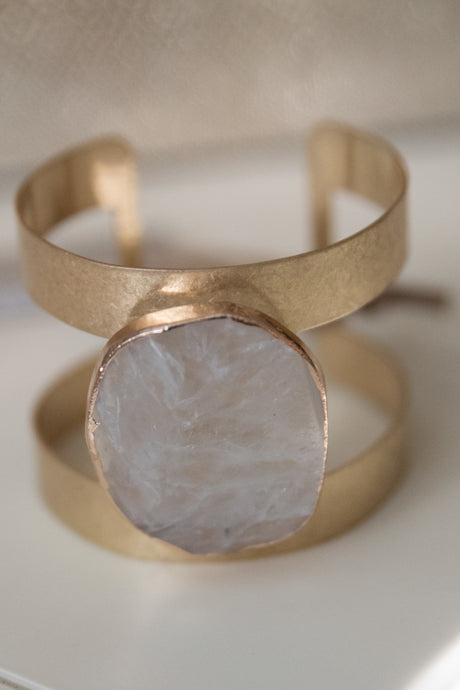 Gold Bracelet With Stone