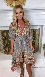 Cream V Neck Mix Print High/Low