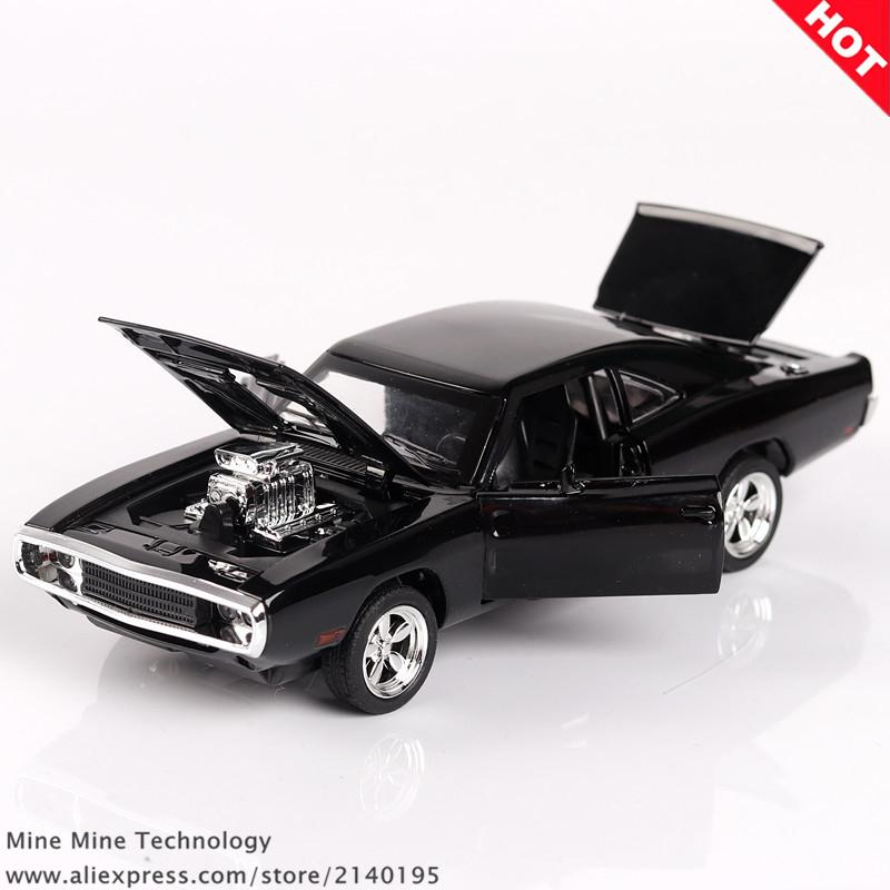 1970 Dodge Charger R/T diecast toy car ( The Fast And The Furious)