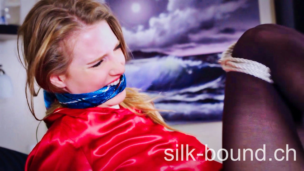 NEW - Ashley Lane - Naive elegant woman sold as slave - silk-bound.ch