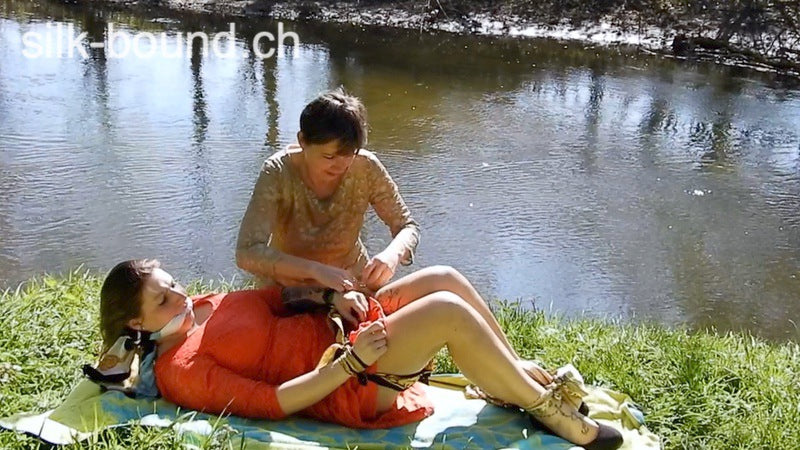 "5 Minute clip 3 - ""andrea in the meadow"" - ** FOR FREE **"