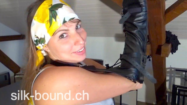 5 Min Clip - ANDREA scarf model bound