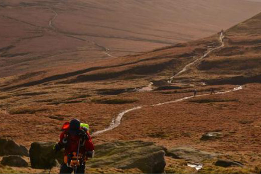 ADVENTURER-ATHLETE, HELENE DUMAIS, BACK FROM UK'S SPINE RACE
