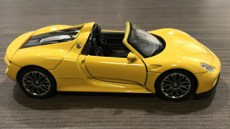 Porsche Driver's Selection Pull Back 918 Spyder Model Cars