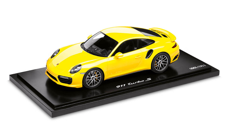 Porsche 911 Turbo S (991.2) 1:18 Model Car - Racing Yellow