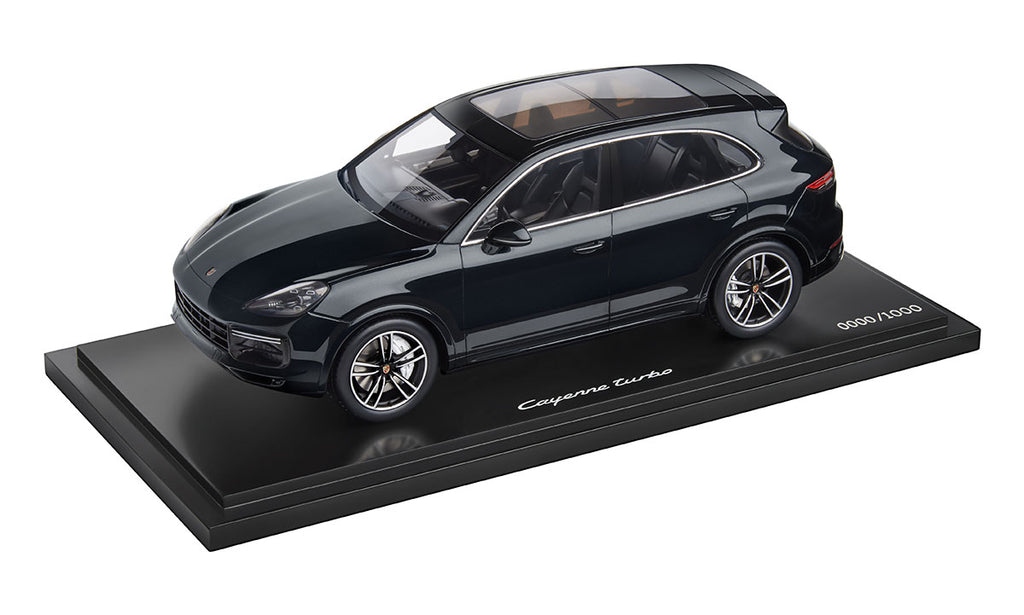Porsche Cayenne Turbo (E3) 1:18 Model Car - Moonlight Blue. Limited Edition