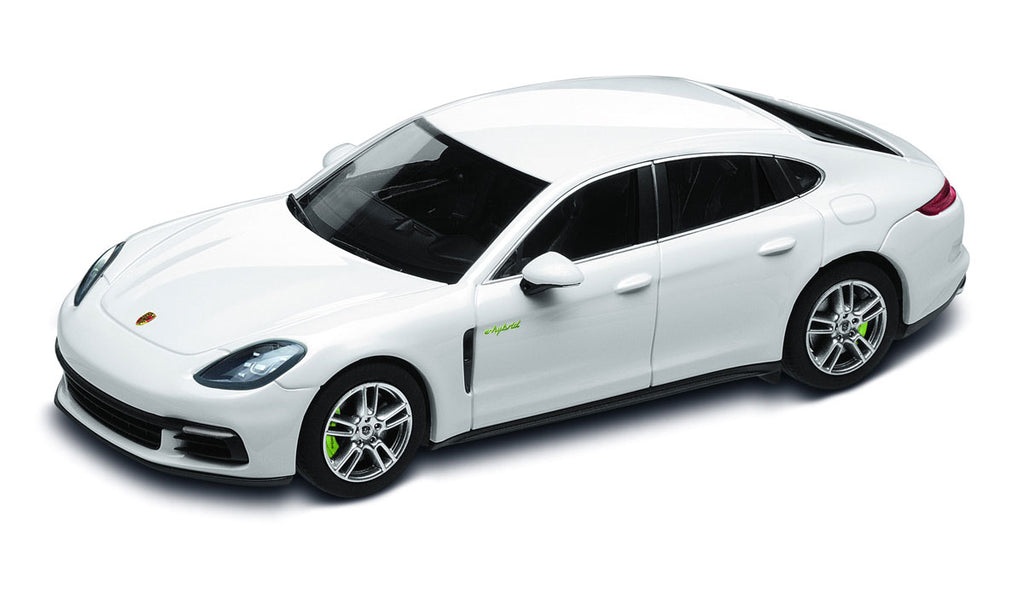 Porsche Panamera 4 E-Hybrid (G2) 1:43 Model Car - Carrara White
