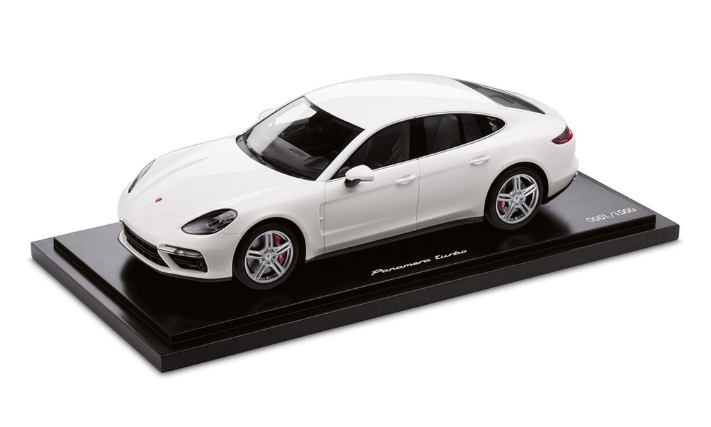 Porsche Panamera Tubo (G2) 1:18 Model Car - White (Limited Edition)